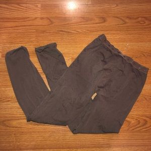 Spandex material leggings.